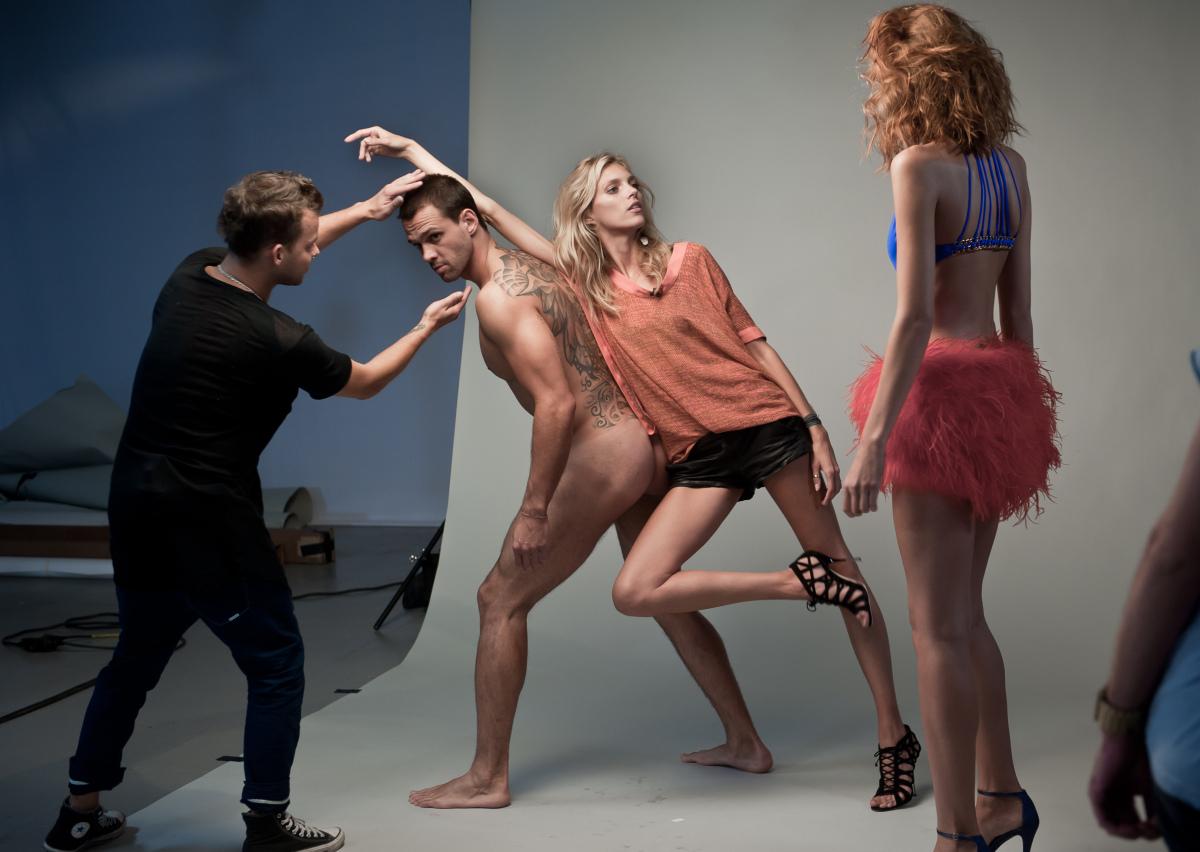 Anja Rubik udziela wskazówek modelkom
